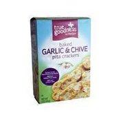 Meijer GARLIC & CHIVE Baked pita crackers