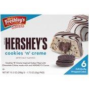 Mrs. Freshley's Deluxe Hershey's Cookies 'N' Creme Cakes