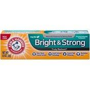 Arm & Hammer Crisp Mint Bright & Strong Fluoride Anticavity Arm & Hammer Truly Radiant Crisp Mint Bright & Strong Anticavity Toothpaste