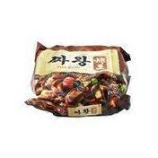 Nongshim Zha Wang Chajang Noodle Dish With Oyster Flavored Sauce