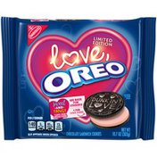 Oreo Chocolate Sandwich Cookies, Strawberry Flavored Creme, Special Love Edition, 1 Resealable Pack