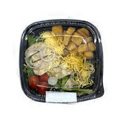 Grilled Chicken & Smoked Gouda Salad