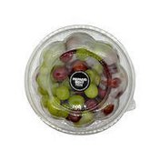 Signature Kitchens Prepackaged Round Container.of Mixed Grapes