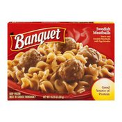Banquet Swedish Meatballs with Egg Noodles and Sauce