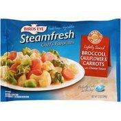 Birds Eye Steamfresh Chef's Favorites Lightly Sauced Broccoli, Cauliflower, Carrots with Cheese Sauce