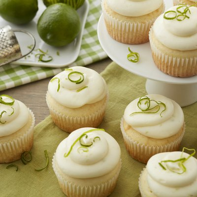 Wilton White Cupcake Liners, 75-Count