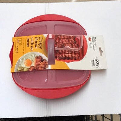 Lekue Red Microwave Bacon Cooker With Lid