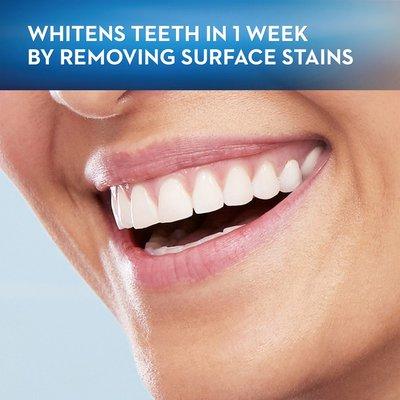 Oral-B Whitening Battery Powered Toothbrush, Medium