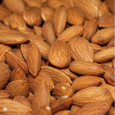 Raw Supreme Almonds