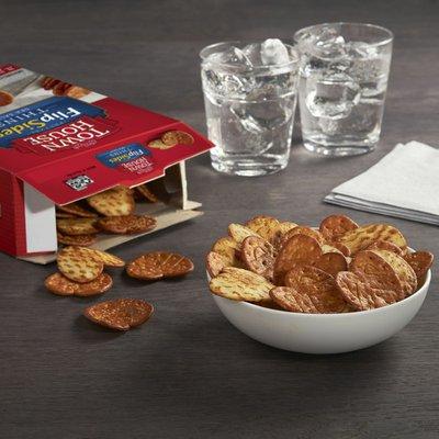 Kellogg's Town House Pretzel Flipsides Crackers, Baked Snack Crackers, Party Snacks, Sea Salt