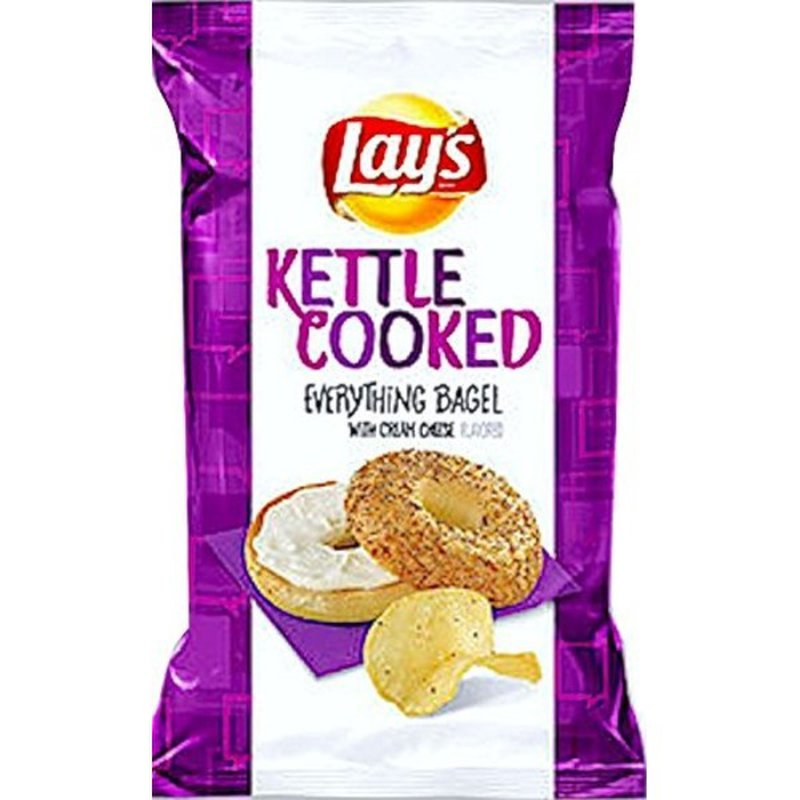 Lay's EVERYTHiNG BAGEL WiTH CREAM CHEESE FLAVORED KETTLE COOKED Potato Chips