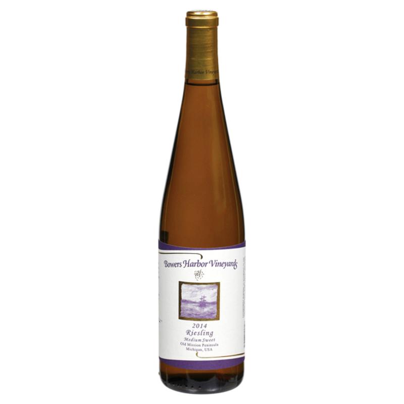 Bower Harbor Vineyards 2014 Medium Sweet Riesling Wine